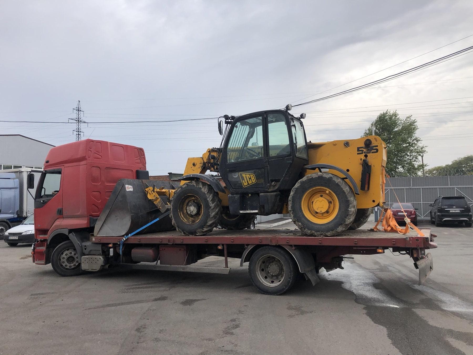 грузовой эвакуатор в Чернигове. Перевозка спецтехники